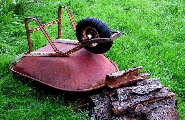 Heavy wheelbarrow